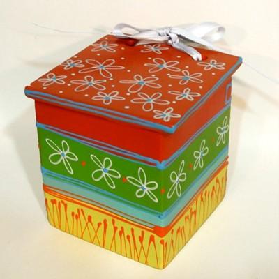 Cutie din ceramică pictată...
