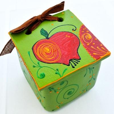 Cutie din ceramică pictată